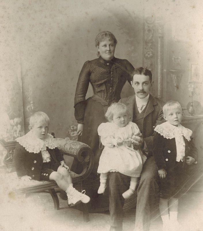 Harry, Alice and their first three children