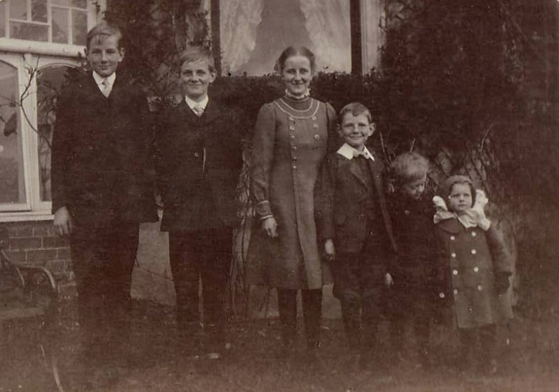 William, Tom, Norah, Harry, Brian and Mamie