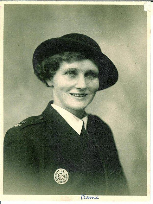 Mamie in the Voluntary Aid Detachment 1942